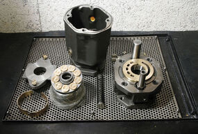 Reparation of hydraulic pumps